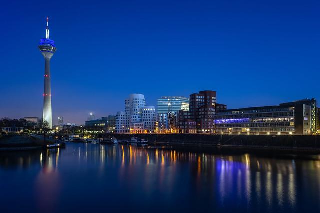 Düsseldorf Medienhafen Blue Hour (8)