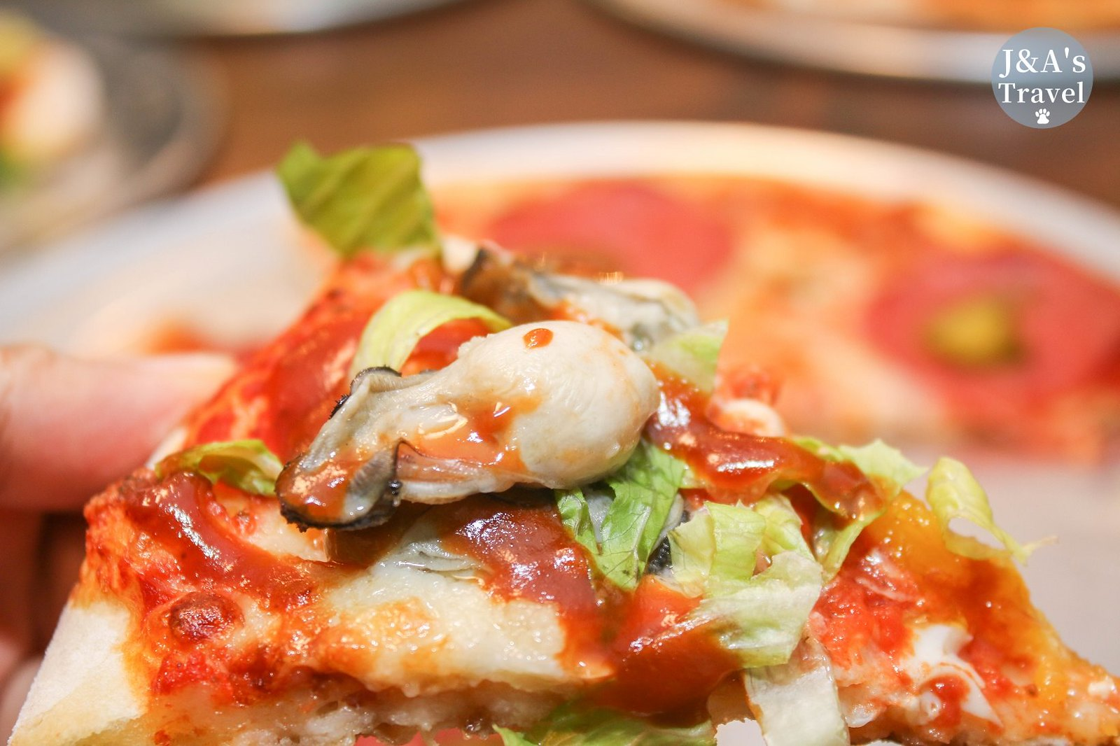 初宅ONE HOUSE 新奇蚵仔煎披薩、臭豆腐披薩香氣十足!披薩買三送一還可以寄放唷! 【捷運科技大樓】大安美食聚餐餐廳 @J&A的旅行