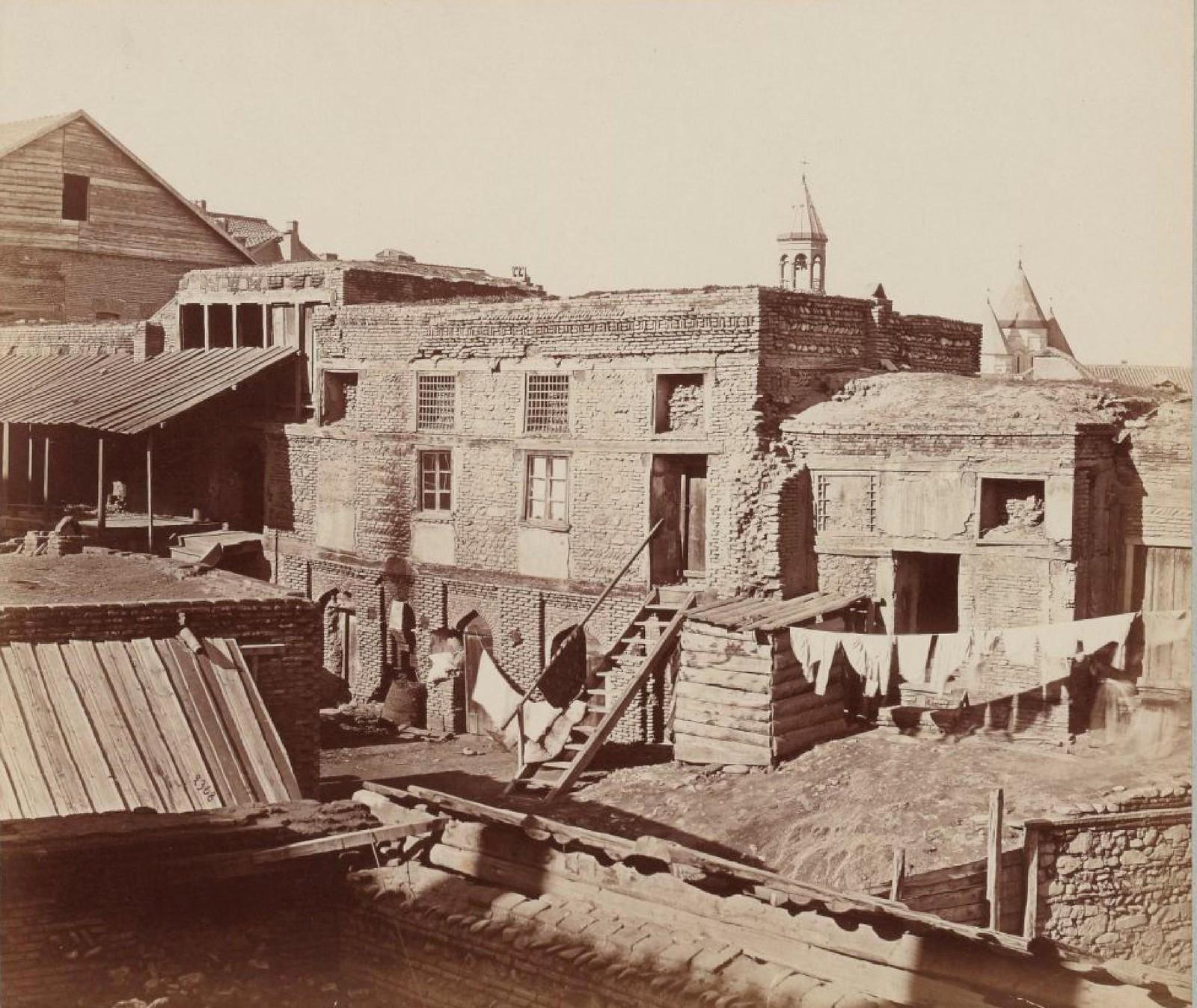 19. Тифлис. Развалины дворца Вахтанга-Гургаслана