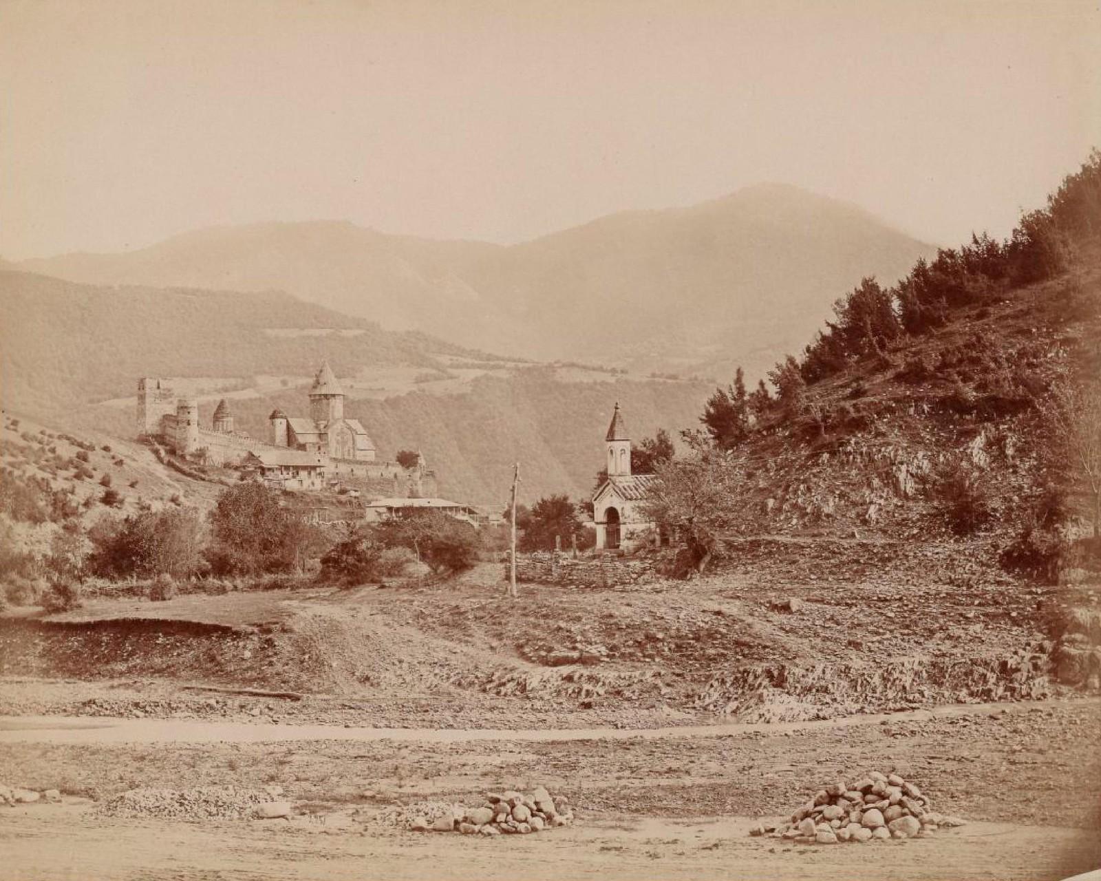 13. Монастырь Ананури