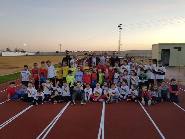 Inauguradas las pistas de atletismo Rafael Curado Tejero de Los Palacios y Vfca