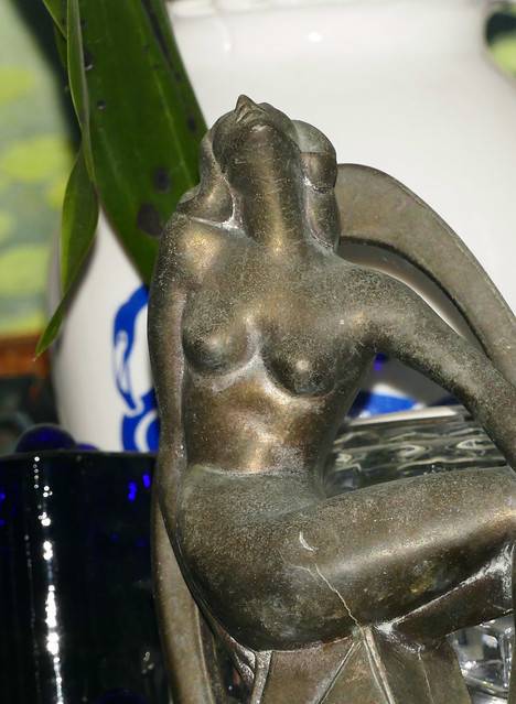frankart statue in he living room