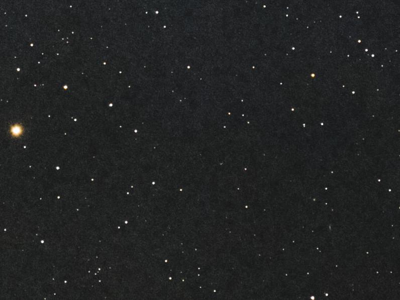 2I/Borisov ? (star align) (2019/11/30 04:48)
