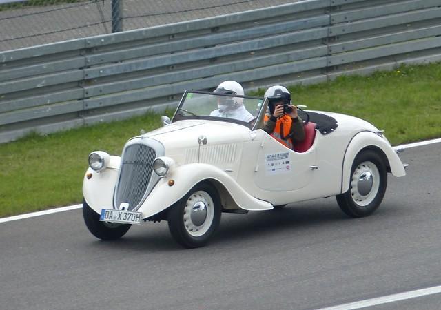 Skoda Popular 1937 white vlo