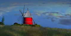 Nailloux (Haute-Garonne, Occitanie, Fr) – Le moulin rouge