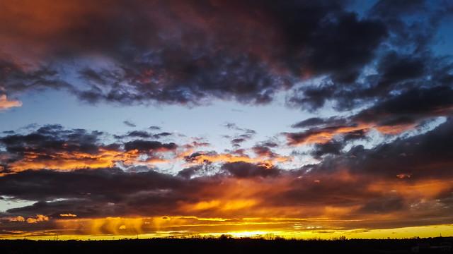 evening sky / @ 5 mm / 2019-03-07