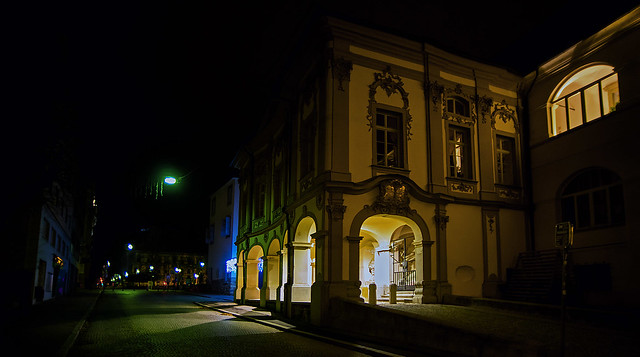 Maribor's town castle at night