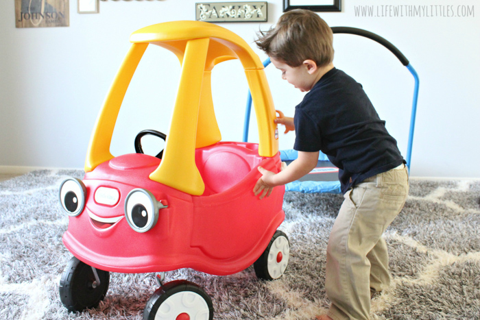 Want to buy your child toys that stand the test of time? Here are three of our favorite classic toys from one of our favorite timeless brands, Little Tikes!
