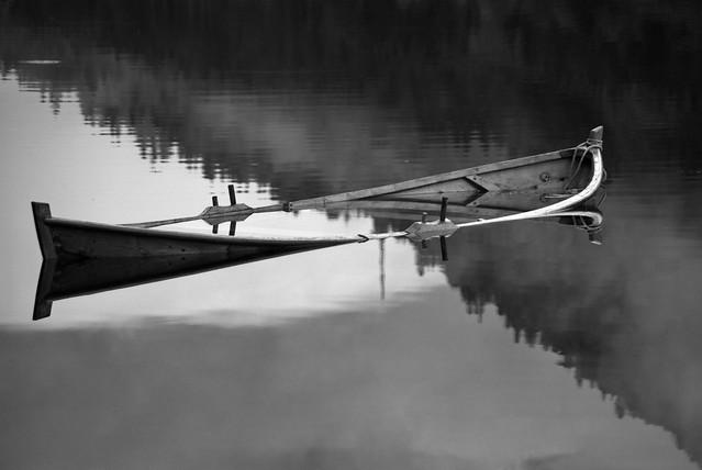Gammel robåt -|- Old rowboat