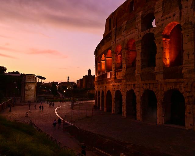Atardecer en la piazza del Coliseo