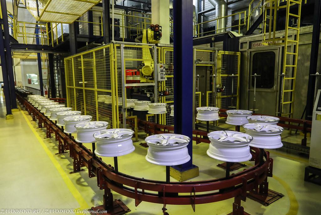 Как делают литые алюминиевые диски на заводе ЛМЗ «СКАД» 999A8750