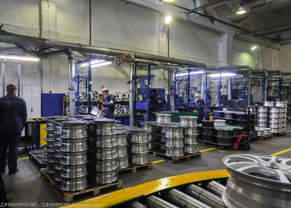 Как делают литые алюминиевые диски на заводе ЛМЗ «СКАД» 999A8361