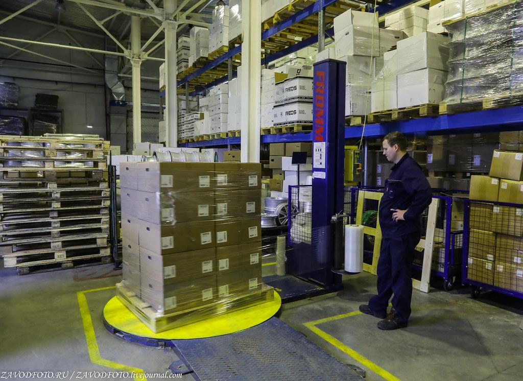 Как делают литые алюминиевые диски на заводе ЛМЗ «СКАД» 999A8180