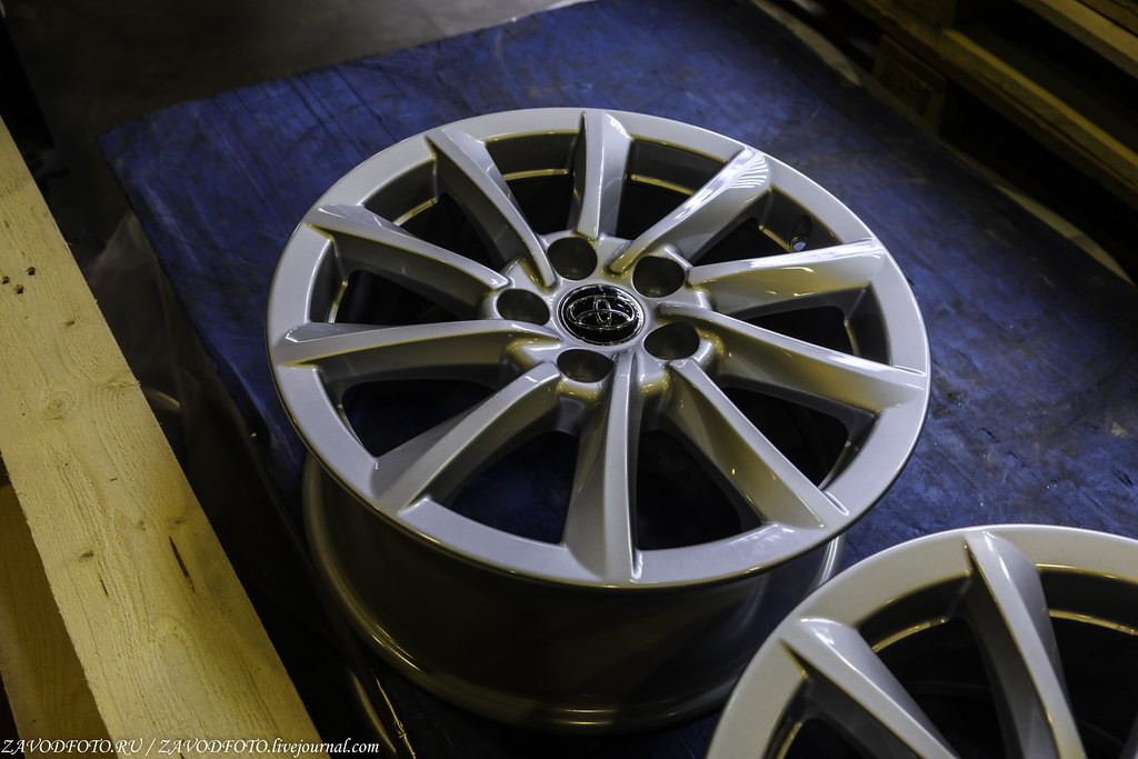 Как делают литые алюминиевые диски на заводе ЛМЗ «СКАД» 999A8149