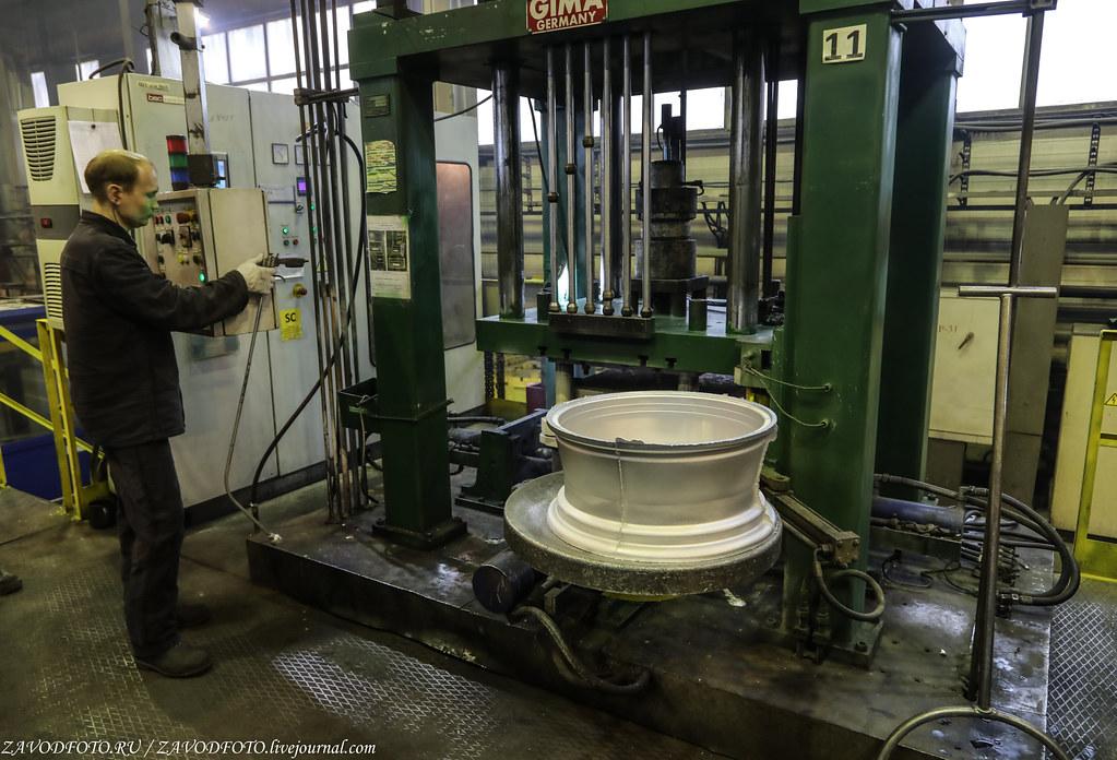 Как делают литые алюминиевые диски на заводе ЛМЗ «СКАД» 999A7799