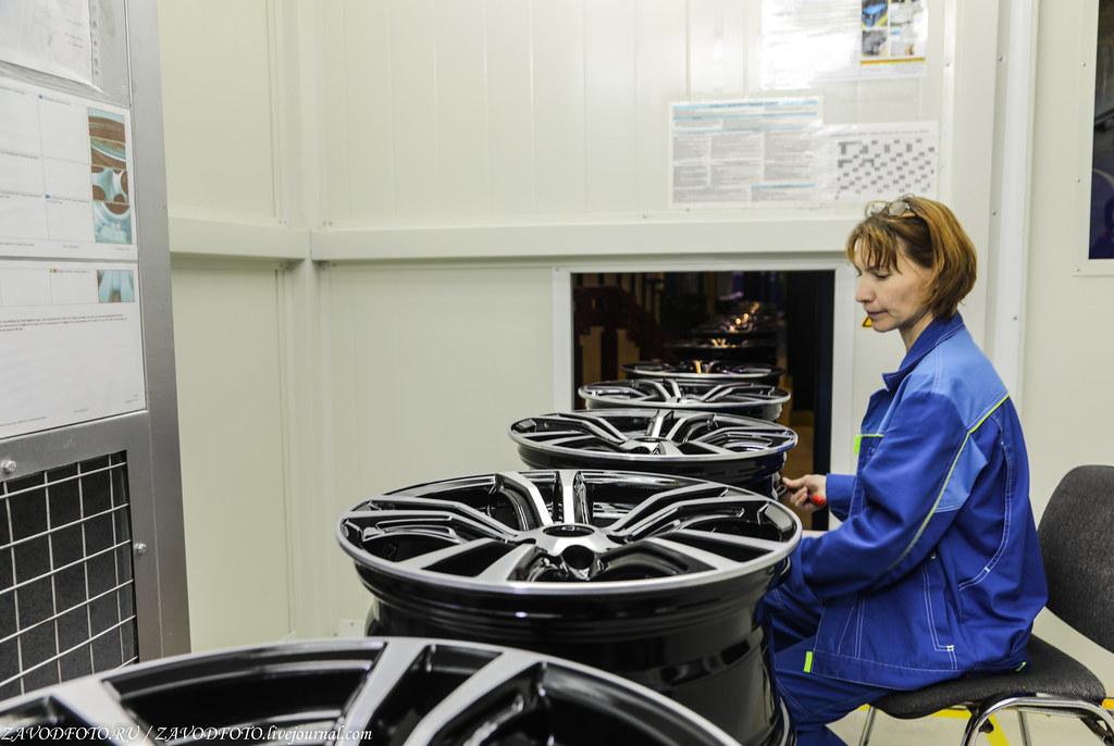 Как делают литые алюминиевые диски на заводе ЛМЗ «СКАД» 999A8853