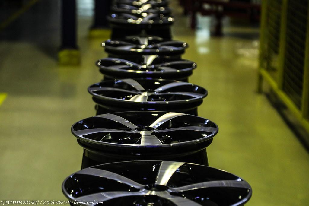 Как делают литые алюминиевые диски на заводе ЛМЗ «СКАД» 999A8823