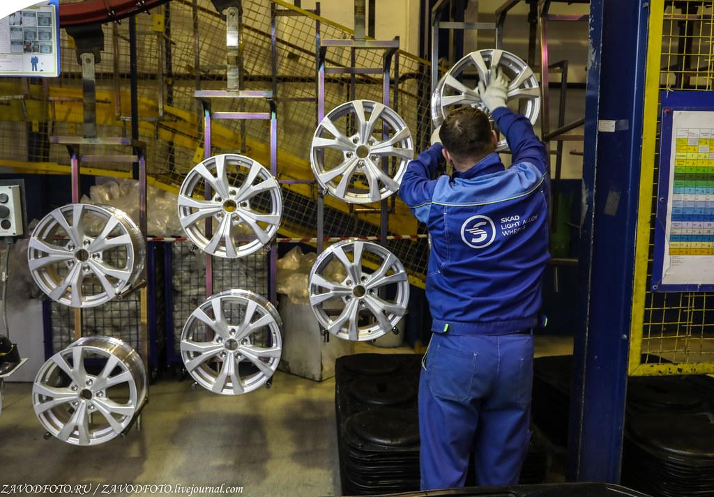 Как делают литые алюминиевые диски на заводе ЛМЗ «СКАД» 999A8681