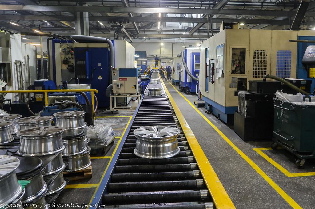 Как делают литые алюминиевые диски на заводе ЛМЗ «СКАД» 999A8473