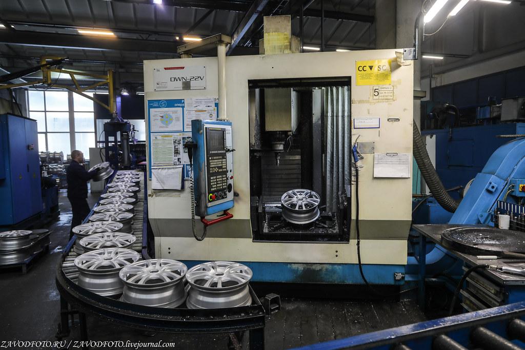 Как делают литые алюминиевые диски на заводе ЛМЗ «СКАД» 999A8610