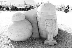 R2-D2/BB-8 Sand Sculpture