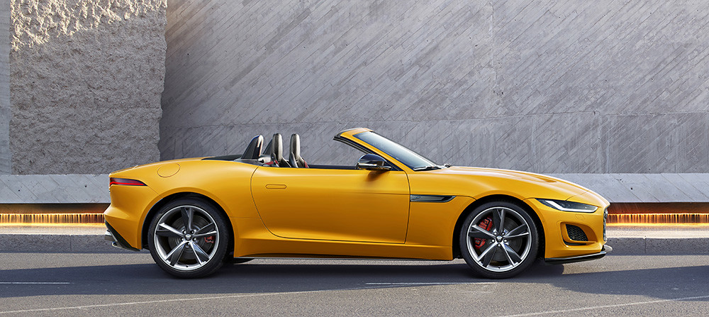 Jag_F-TYPE_21MY_Reveal_Image_Lifestyle_Convertible_SorrentoYellow_02.12.19