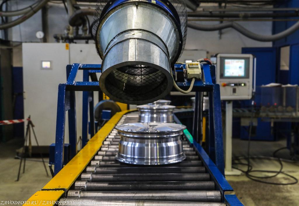 Как делают литые алюминиевые диски на заводе ЛМЗ «СКАД» 999A8357