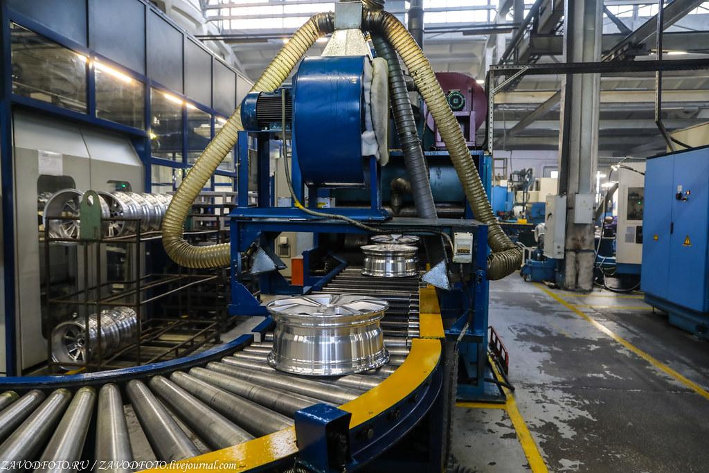 Как делают литые алюминиевые диски на заводе ЛМЗ «СКАД» 999A8304