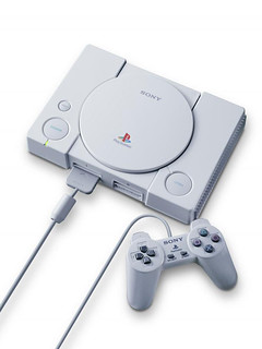 顛覆任天堂主宰之電玩版圖的灰色巨人,你我一同走來的經典遊戲歲月!SONY PlayStation 主機誕生25周年(プレイステーション)