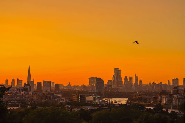 Volando via da qui / Fly away from here (City of London from Greenwich, London, United Kingdom)