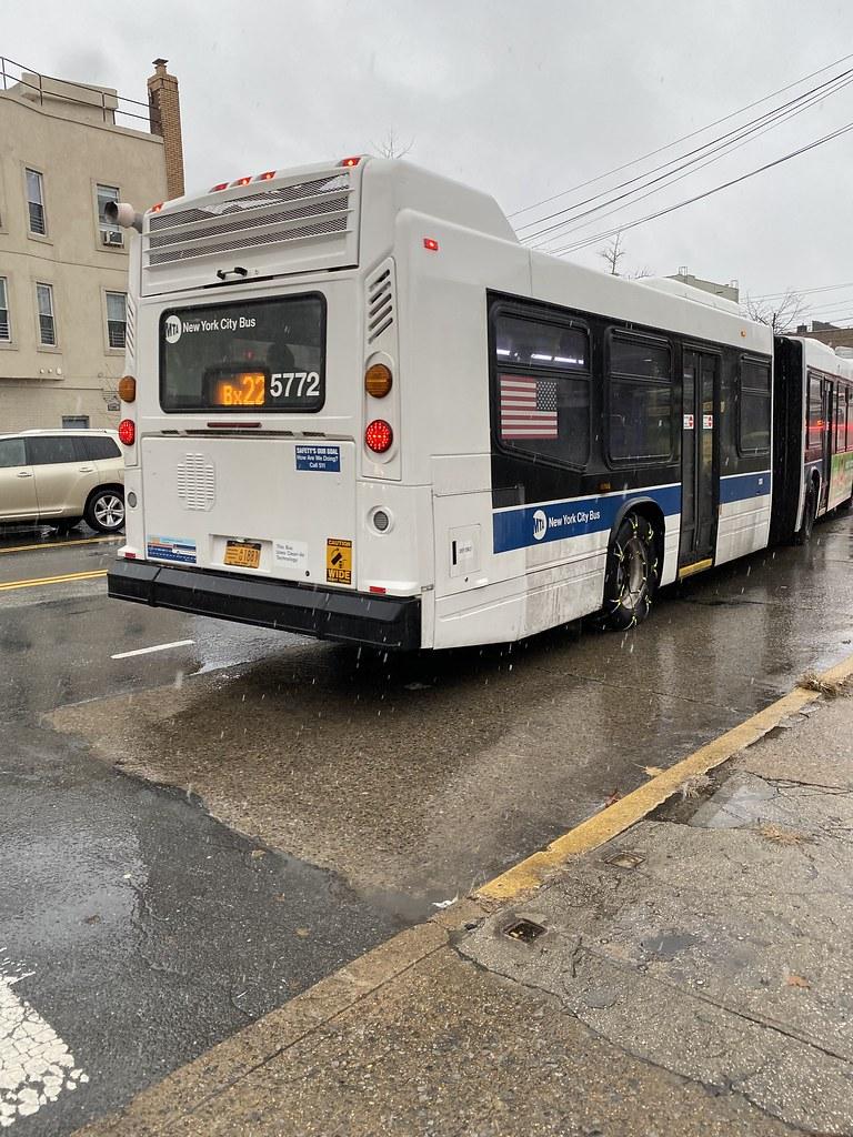 2011 Nova Bus LFSA 5772 - Bx22 To Bedford Park Paul Av 205 St