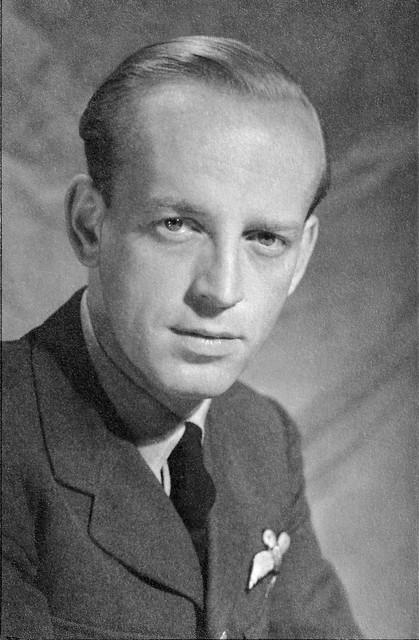 F.K. Wiersum, pilot RAF, ca. 1944