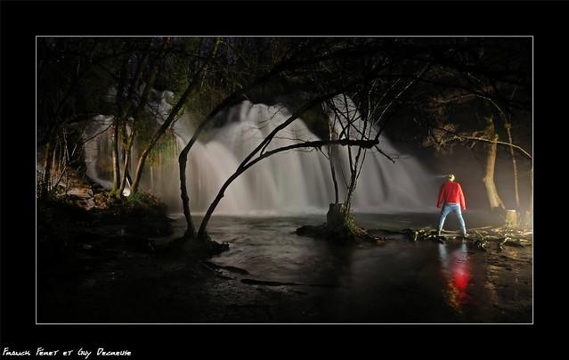 Guy et  La cascade des tufs aux Planches près d'Arbois - Jura