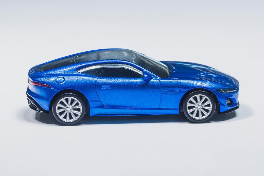 Jaguar-F-Type-Hot-Wheels-2