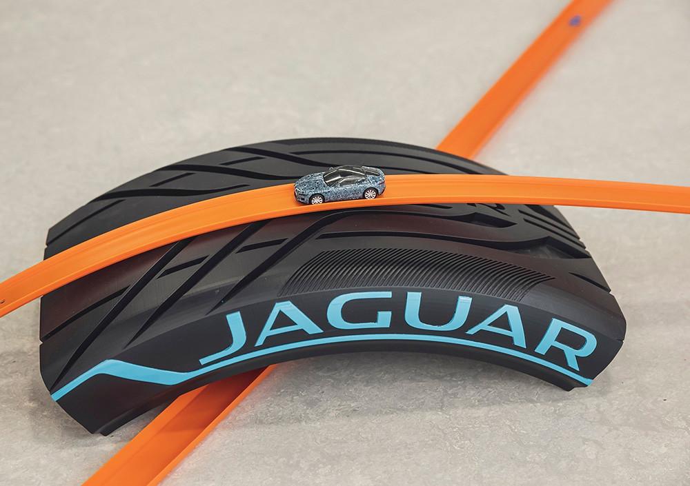 Jaguar-F-Type-Hot-Wheels-5