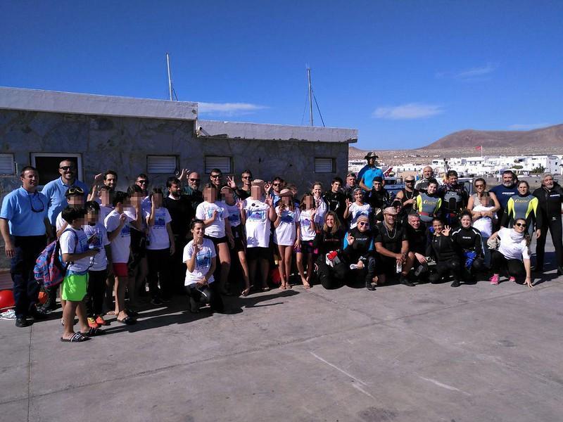Limpieza del fondo marino del puerto de Caleta de Sebo