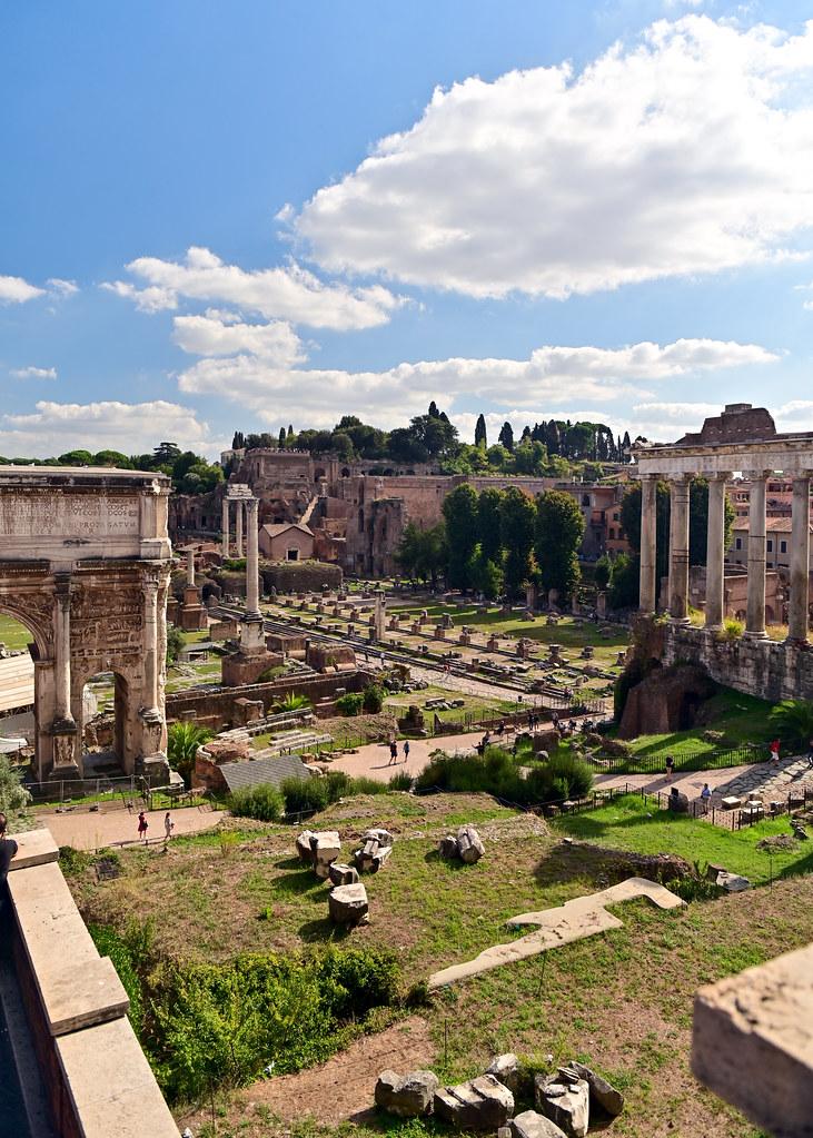 Vistas del foro de Roma desde Via di San Pietro in Carcere
