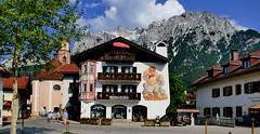Mittenwald (Bayern, D) - 3 - Centre ville & Perspective jusqu'aux montagneséglise