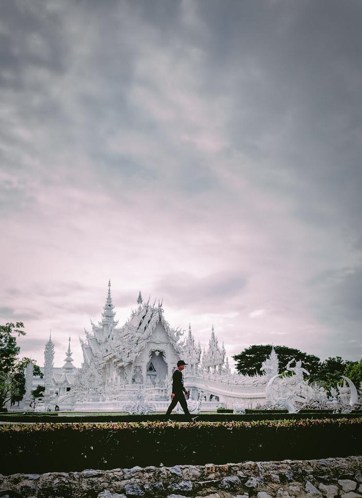 Late Chill Stroll at Wat Rong Khunimg