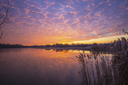 canon6d sunrise clouds sky colour reflections water lake nature outdoors outside cambridgeshire uk landscape waterscape