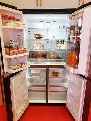 LG Home Solutions Instaview Door-in-Door refrigerator
