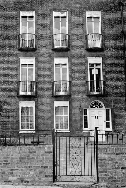 London, 1977 10c504_2400
