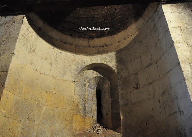 680 - Ventana - Iglesia del Salvador – Segovia - Spain.