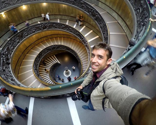 Diario de un Mentiroso en la escalera Bramante de Roma