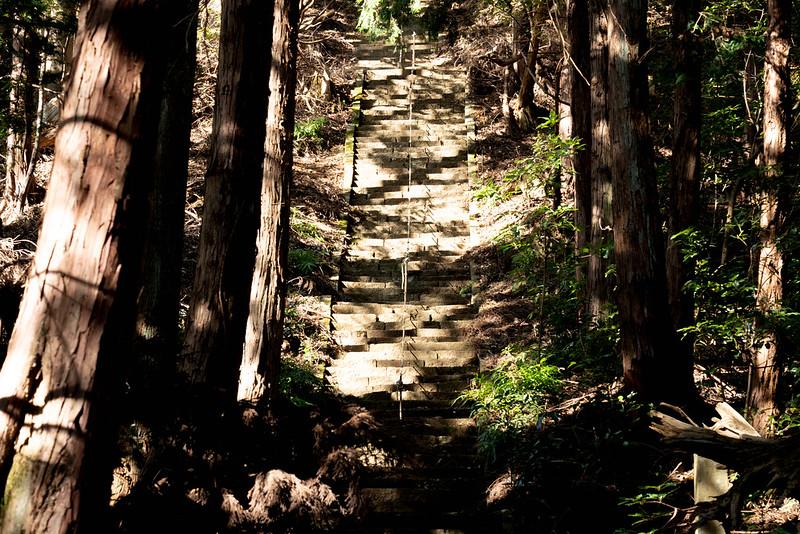 鐘ヶ嶽の階段地獄