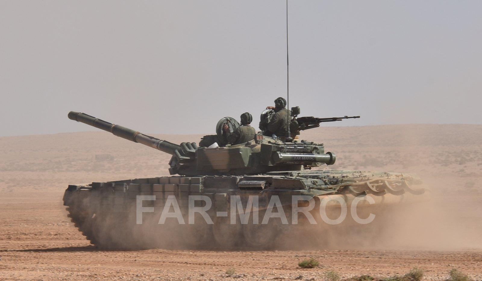 Chars T-72B/BK MArocains // Moroccan Army T-72B/BK Tanks - Page 4 49163936373_455b007f7f_h