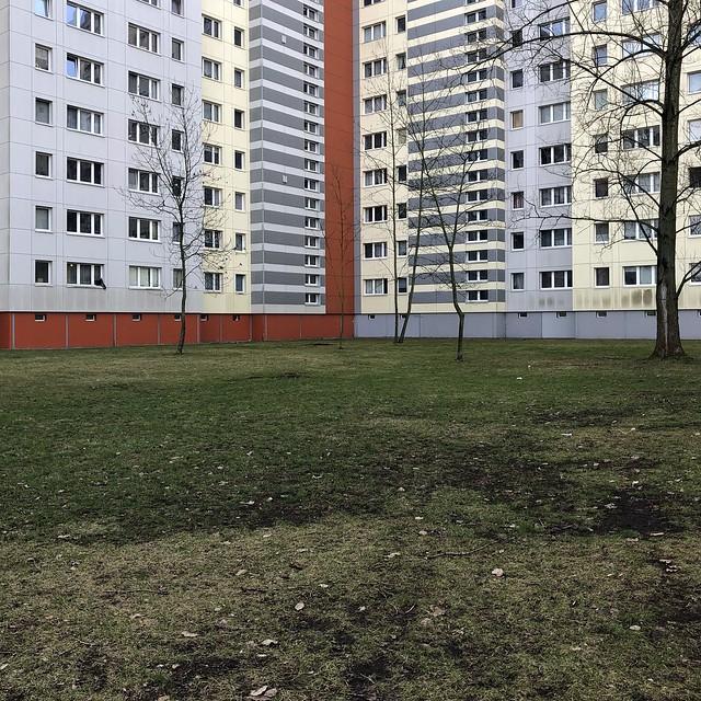 ...wenigstens begrünter Innenhof / Altenhofer Straße / Alt-Hohenschönhausen