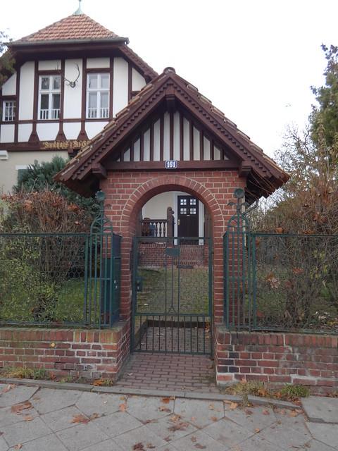 um 1900 Berlin Einfriedung Landhaus Lu-Emma von Kuhlmann Hönower Straße in 12623 Mahlsdorf