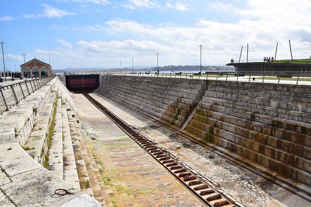 Dique seco (Santander, Cantabria, España, 28-9-2019)