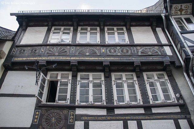 Historia näkyy talojen yksityiskohdissa